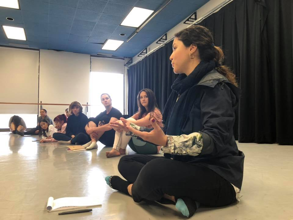 Movement at the Border - Yasemin Ozumerzifon facilitates a workshop