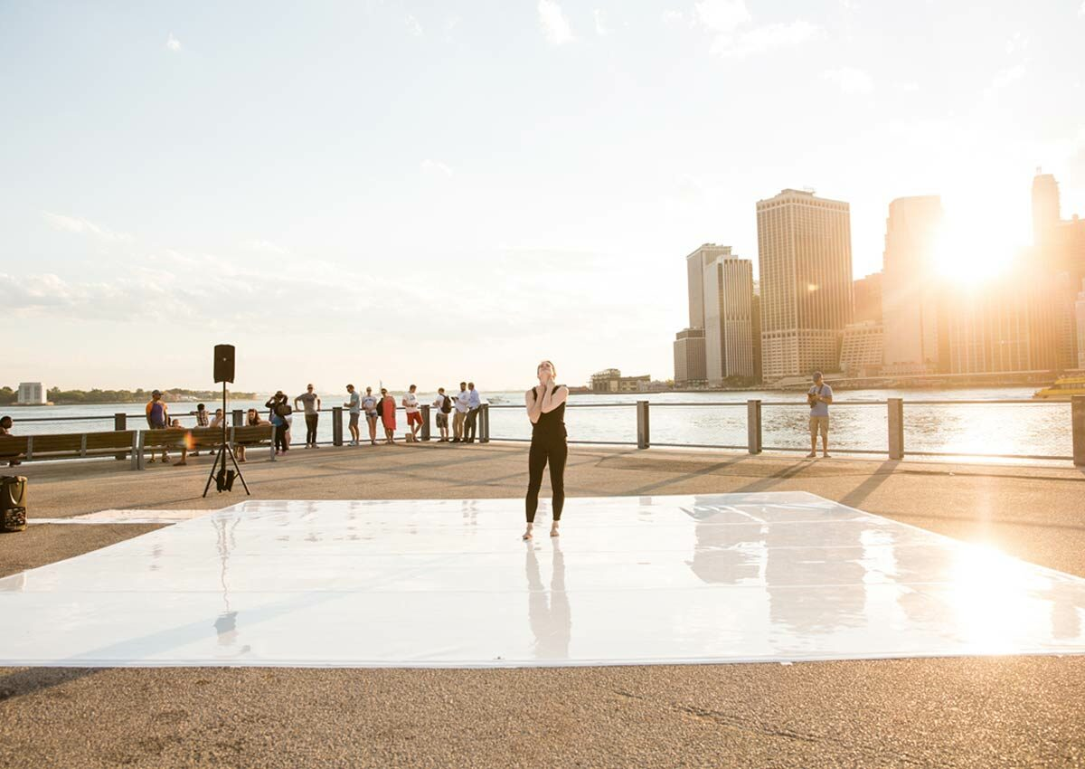 dance-mobile 2019. Pictured: Amy Miller performs at Brooklyn Bridge Park